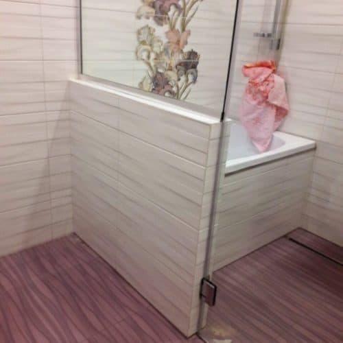 Душевое ограждение в ванную комнату из закаленного осветленного стекла толщиной 8 мм