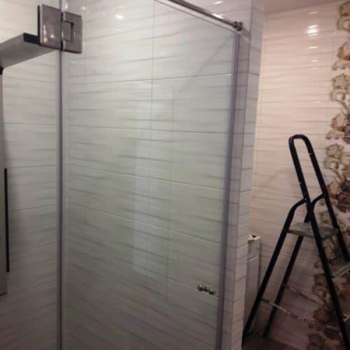 Душевое ограждение в ванную комнату из закаленного осветленного стекла толщиной 8 мм1