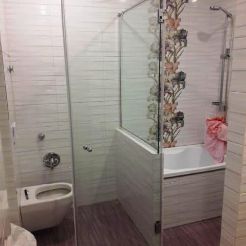 Душевое ограждение в ванную комнату из закаленного осветленного стекла толщиной 8 мм3