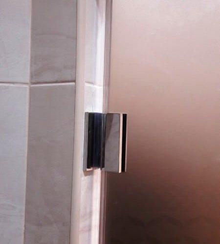 Дверь для душевой из закаленного стекла сатин толщиной 8 мм2