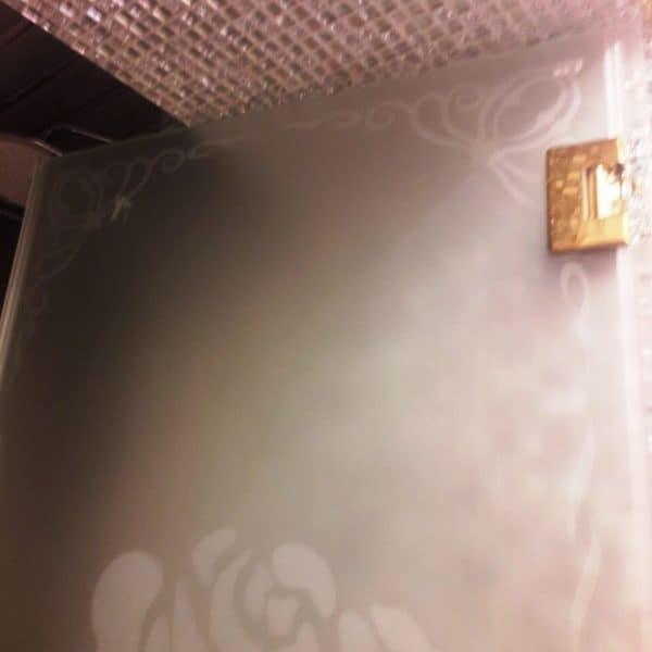 Дверь с пескоструйным рисунком2