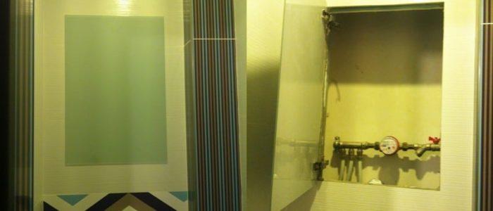 Дверца из стекла Лакобель 7035 4 мм, размером 620 х 420 мм