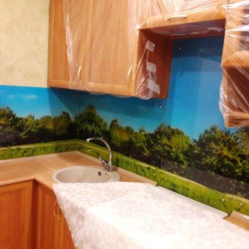 Фартук для кухни из закаленного осветленного стекла толщиной 6 мм с фотопечатью пейзаж