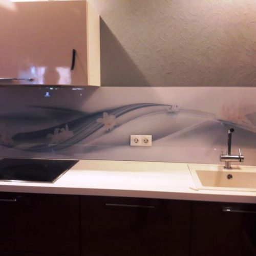 Фартук для кухни с фотопечатью из закаленного осветленного стекла толщиной 6 мм
