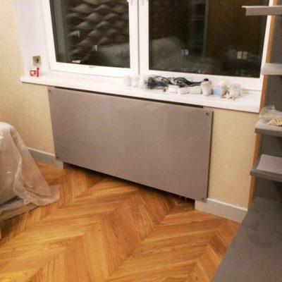 Экраны для радиаторов из закаленного стекла толщиной 6 мм с окраской эмалит по PAL1