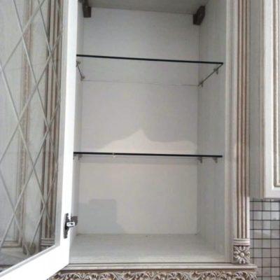 Полки для подвесного шкафчика из осветленного закаленного стекла толщиной 6 мм