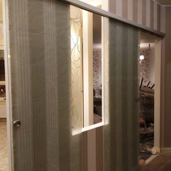 Стеклянные откатные двери с матовым пескоструйным рисунком2