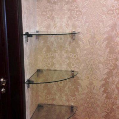 Стеклянные полочки в комнату. Стекло осветленное, закаленное толщиной 8 мм1