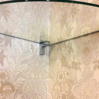 Стеклянные полочки в комнату. Стекло осветленное, закаленное толщиной 8 мм4