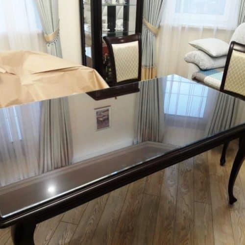 Столешница для оформления крышки стола из закаленного осветленного стекла 6 мм с фацетом по периметру