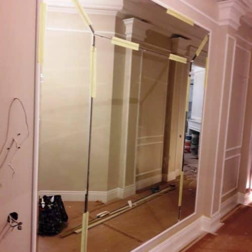 Зеркальная фацетная композиция на стену в загородном доме2