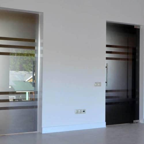 Стеклянные двери 9