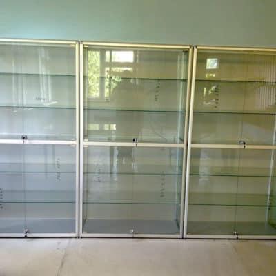 Стеллажи и витрины 4
