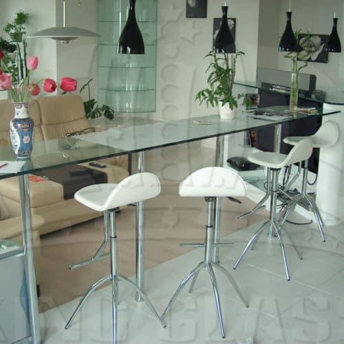 Столы и барные стойки 16